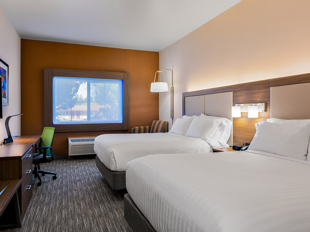 Room with two beds, IHG hotel, Lake Oroville hotel
