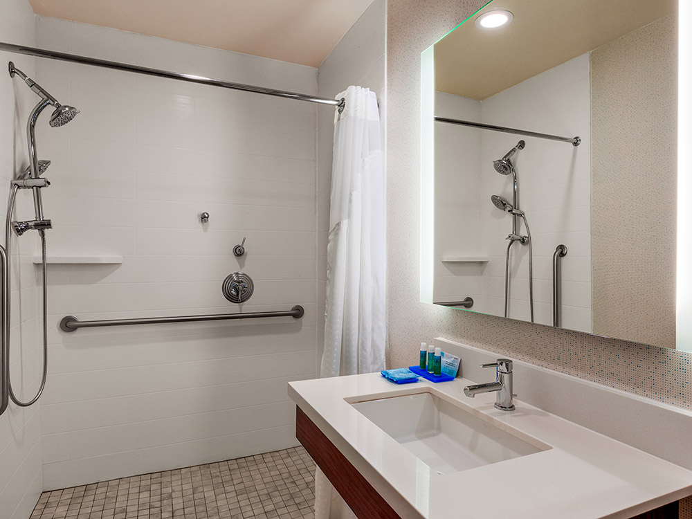 Suite, IHG hotel, Oroville California hotel, corporate, travel, lodging